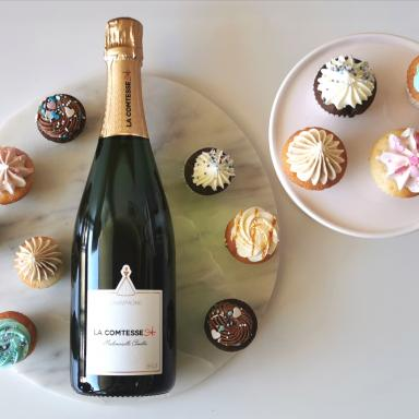 12 MINI CUPCAKES / 1 BOUTEILLE CHAMPAGNE BRUT